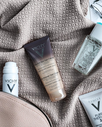 Skäm bort din hud på semestern med dessa  produkter i reseförpackning